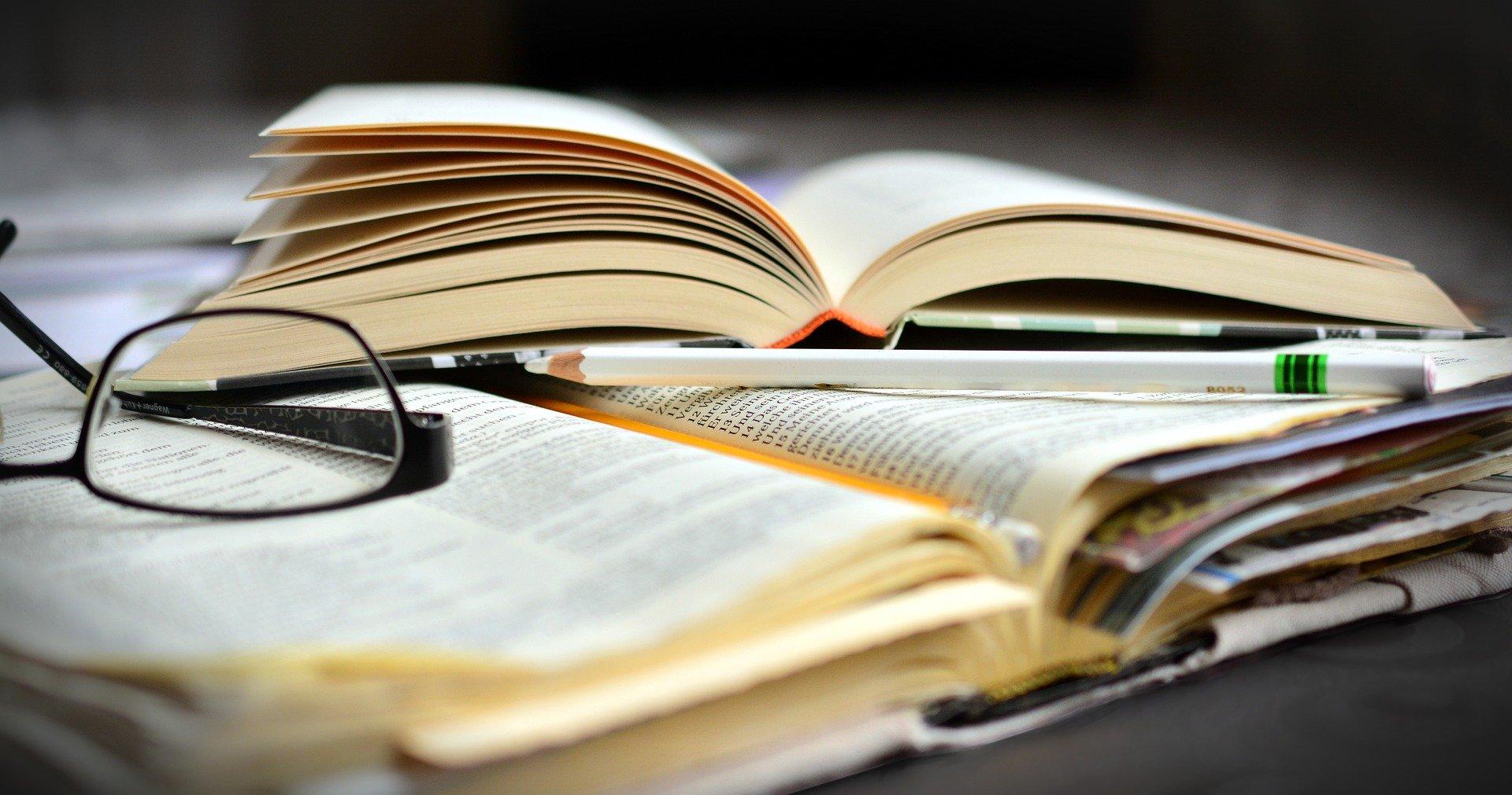 books-4827024_1920